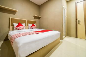 OYO 279 Deli Homestay Medan - Deluxe Double Room Regular Plan