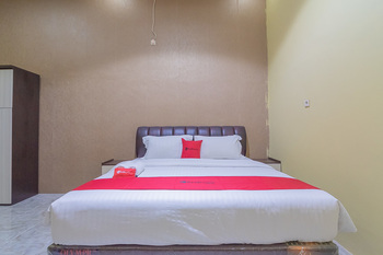 RedDoorz Syariah @ Jalan Tjilik Riwut Palangka Raya - RedDoorz Room with Breakfast Regular Plan