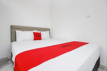 RedDoorz @ Permata Sari Karawaci Tangerang - RedDoorz Room 24 Hours Deal