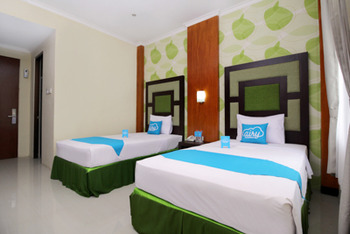 Airy Alun Alun Bojonegoro Trunojoyo 2 - Superior Twin Room Only Regular Plan