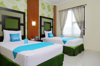 Airy Alun Alun Bojonegoro Trunojoyo 2 - Superior Twin Room Only Special Promo Mar 28