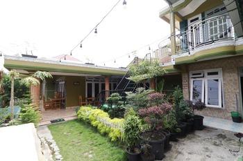 Waroeng Transit & Depary Homestay