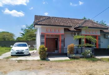DeLavega Guest House