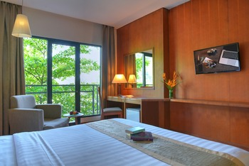 Oak Tree Emerald Semarang Managed by The Ascott Limited - Deluxe King Room Only Regular Plan