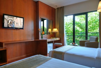 Oak Tree Emerald Semarang Managed by The Ascott Limited - Deluxe Twin Room Only Regular Plan