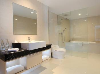 Swiss-Belhotel Makassar - Business Suite Regular Plan