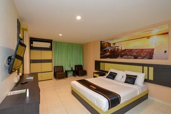 OYO 2487 Sampurna Jaya Hotel Tanjung Pinang - Deluxe Double Room Promotion