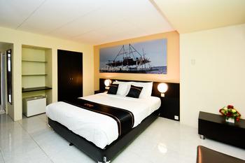 OYO 2487 Sampurna Jaya Hotel Tanjung Pinang - Suite Family Room Regular Plan