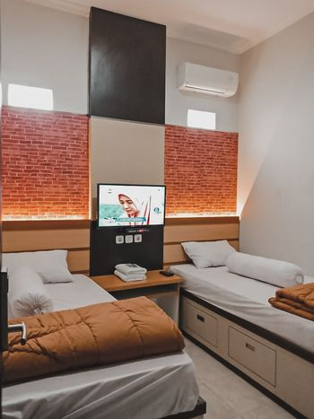 Amaya Guest House Syariah Semarang - Twin AC Room Only Regular Plan