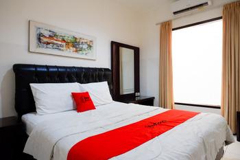 RedDoorz near Wisata Kota Lama Semarang Semarang - RedDoorz Room AntiBoros