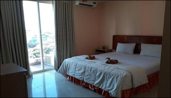 Divachk Hotel Manado - Deluxe Room Regular Plan