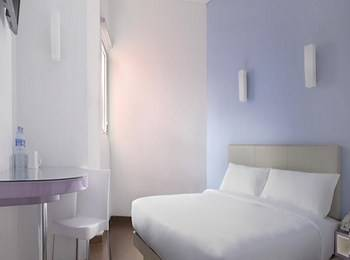 Hotel Amaris Karawang - Smart Room Queen Ramadhan Offer Regular Plan