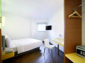 Hotel Amaris Karawang - Smart Room Queen Special Promo Last Minute Deal 2018
