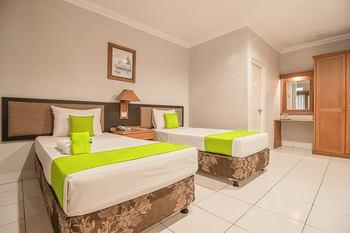 Yehezkiel Hotel Lembang Lembang - Twin Room KETUPAT
