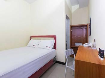 RedDoorz @Pemuda Jakarta - RedDoorz Room Regular Plan