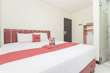 RedDoorz @Pemuda Jakarta - RedDoorz Room with Breakfast Basic Deal