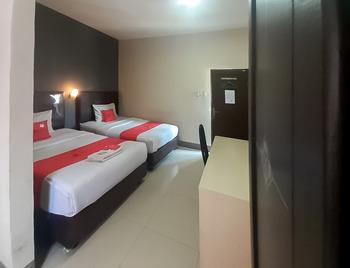 RedDoorz @ Sei Mangkei Perdagangan Simalungun Simalungun - RedDoorz Twin Room Gajian