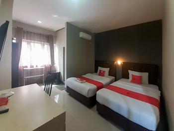RedDoorz @ Sei Mangkei Perdagangan Simalungun Simalungun - RedDoorz Deluxe Twin Room Gajian