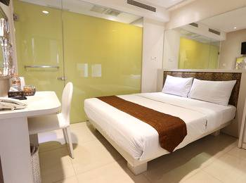 Hotel Pyrenees Jogja - Superior Queen  ( 1 Bed Besar ) Special New Normal