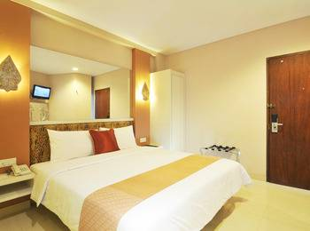 Hotel Pyrenees Jogja - Deluxe  King  ( 1 Bed Besar ) Special New Normal