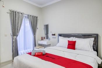 Berlian Homestay Syariah Wirobrajan Yogyakarta - SALE Room KETUPAT