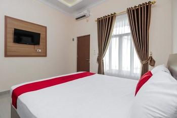 RedDoorz Plus @ Pangkal Pinang Mentok Pangkalpinang - Reddoorz Room Basic Deal
