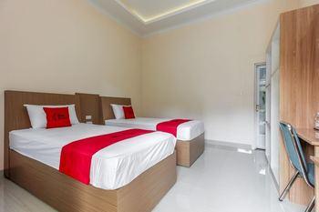 RedDoorz Plus @ Pangkal Pinang Mentok Pangkalpinang - Reddoorz Twin Room Basic Deal
