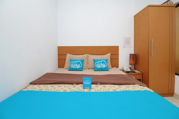 Airy Wajo Buru 23 Makassar - Standard Double Room with Breakfast Special Promo June 28