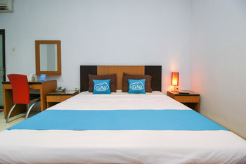 Airy Wajo Buru 23 Makassar - Deluxe Double Room with Breakfast Special Promo June 28