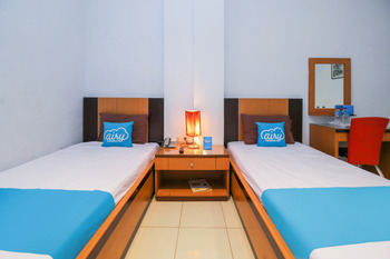 Airy Wajo Buru 23 Makassar - Superior Twin Room Only Special Promo June 28
