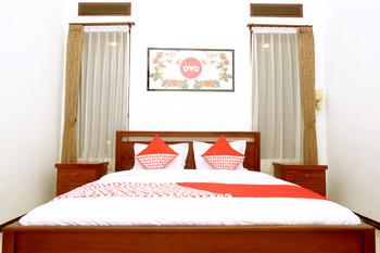 OYO 350 D' Maktab Homestay Syariah Malang - Standard Double Room Regular Plan