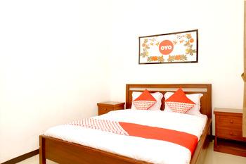 OYO 350 D' Maktab Homestay Syariah Malang - Deluxe Double Room Regular Plan