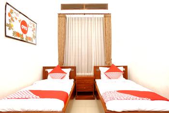 OYO 350 D' Maktab Homestay Syariah Malang - Standard Twin Room Regular Plan