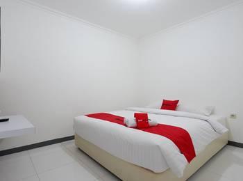 RedDoorz near Mall Ciputra 2 Semarang - RedDoorz Room 24 Hours Deal