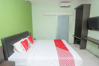OYO 2524 Royal Borneo Guesthouse Banjarmasin - Standard Double Room Regular Plan