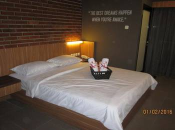 Maxley Hotel @Arjuna - Executive Rooom Regular Plan