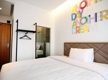 Woodpecker Hotel Yogyakarta - Deluxe  Double Room Only Regular Plan