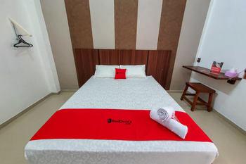 RedDoorz Syariah near Stasiun Purwosari Solo - RedDoorz Room BASIC DEAL