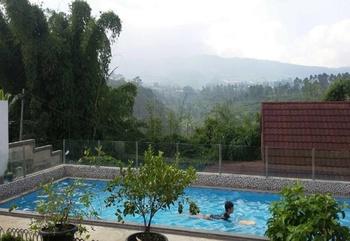 Villa Ganesha - 88 Lembang