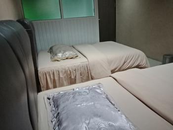 OYO 2574 Z Suites Hotel Medan - Deluxe Twin Room Regular Plan