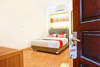 OYO 694 Khasanah Residence Pekanbaru - Deluxe Double Room Regular Plan
