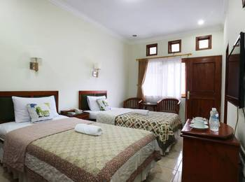 Hotel Ponty Bandung - Standard Room Stay More, Pay Less