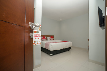 OYO 616 Express inn Palembang - Standard Double Room Regular Plan
