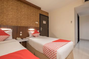 Capital O 1279 Hotel Grand Celino Makassar Makassar - Standard Twin Room Regular Plan