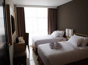 Maestro Hotel Kota Baru Pontianak - Junior Suite Room Regular Plan