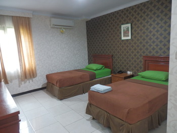 Hotel Mahadria Syariah Serang - Dahlia Room Regular Plan