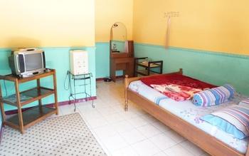 Rajaka Homestay Malang - Kabin Room Only Regular Plan