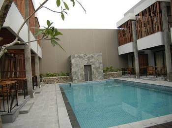 Grand Laguna Hotel and Villa Solo