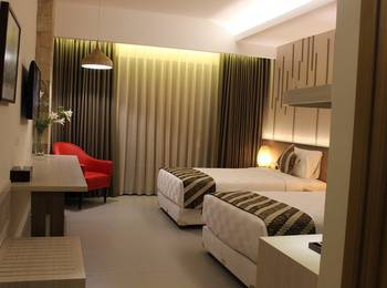Grand Laguna Hotel and Villa Solo Solo - Superior Twin Bed Room Only Regular Plan