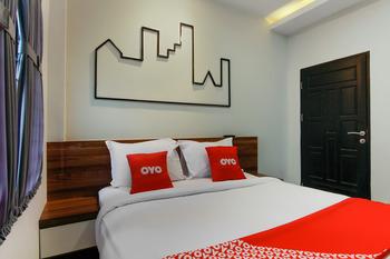 OYO 3476 Millenium Inn Medan - Standard Double Room Regular Plan